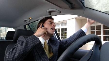conducir-hablando-por-el-movil